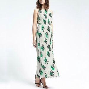 Banana Republic Gathered Floral Pleated Dress M